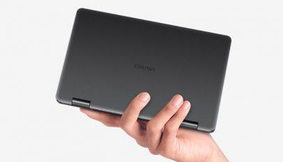 1566825231 287 chuwi minibook in hand